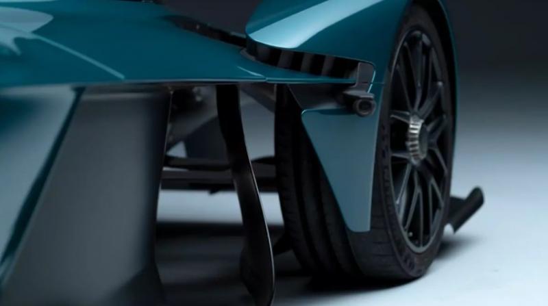 阿斯顿·马丁战神敞篷版(Valkyrie Roadster)车型预告图曝光